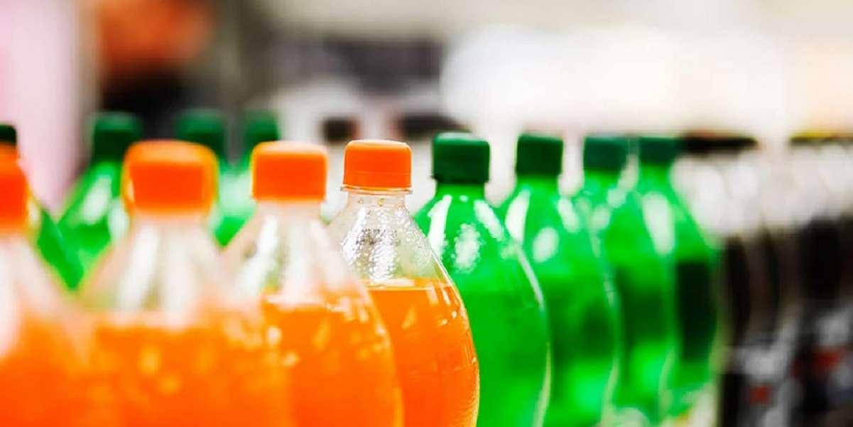 """Не давайте детям: этот напиток оказался сущим ядом - угробит сердце и """"наградит"""" ожирением"""