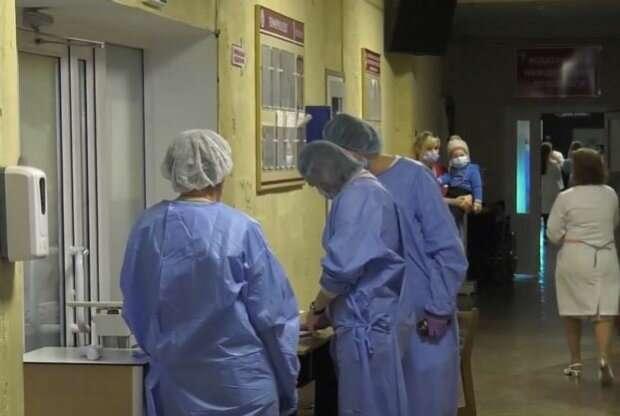 """Новонароджена крихітка бореться за життя, потрібна операція на мозку: """"Врятуйте Анічку"""""""