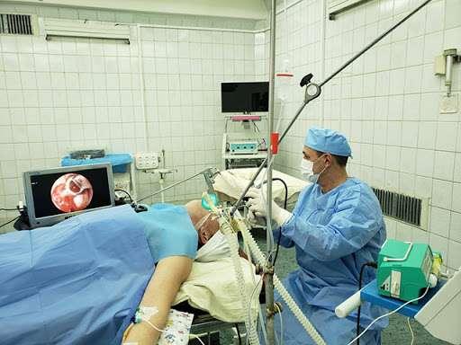 """""""Він в крити*ному стані"""": Шановні друзі! Сталася біда! Лікар який врятував багато дитячих життів потребує складну операцію..Реп0ст"""