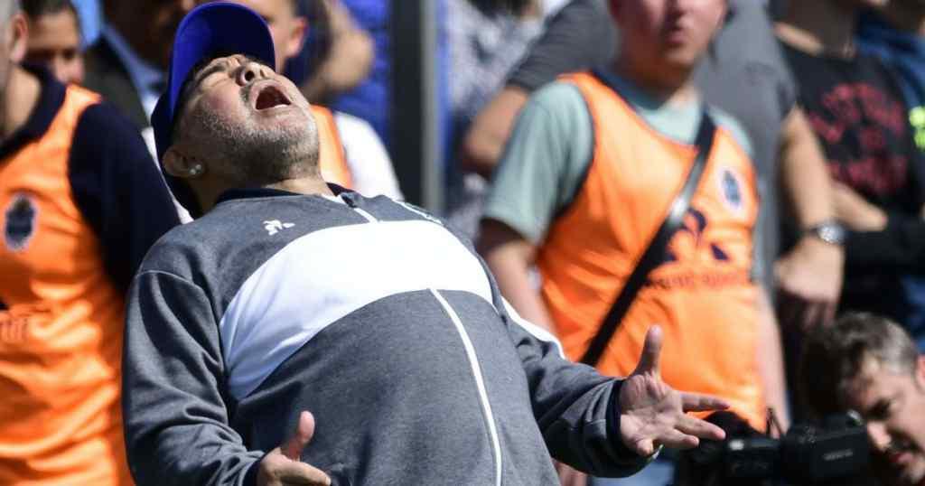 """""""Він втомився від життя"""": Колишній лікар Марадони ш0кував своїми словами – нова версія сме*рті"""