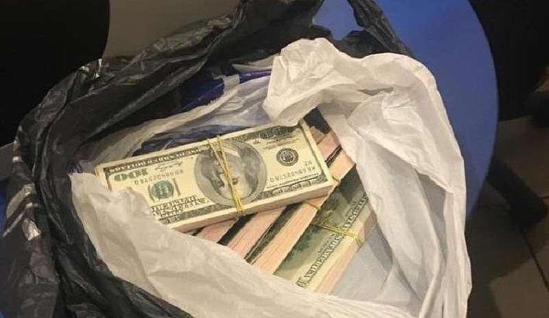 «100 раз так робив!» Київські прокурори замінили арештовані гроші на фальшиві (ВІДЕО)